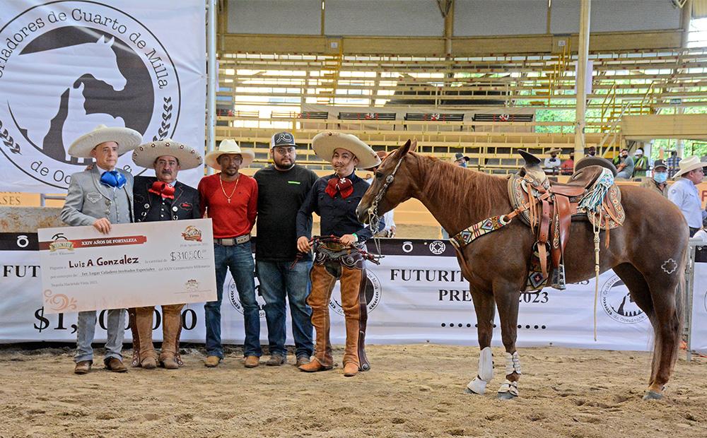 Premiación del ganador del Caladero por Invitación, Luis Antonio González Martínez, tras una soberbia cala de caballo de 55 puntos